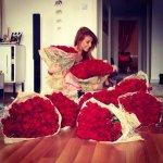 ரோஸ் டே, ப்ரபோசல் டே, கலர் கோட்ஸ்... வேலன்டைன்ஸ் டே வெரைட்டி! #ValentinesDay