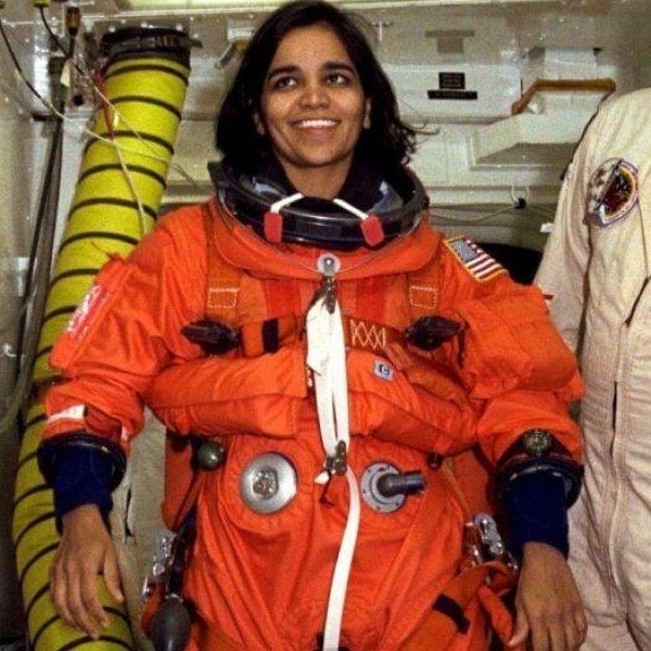 252 முறை பூமியை வலம் வந்த இந்தியப் பெண் கல்பனா சாவ்லா! #KalpanaChawlaMemories