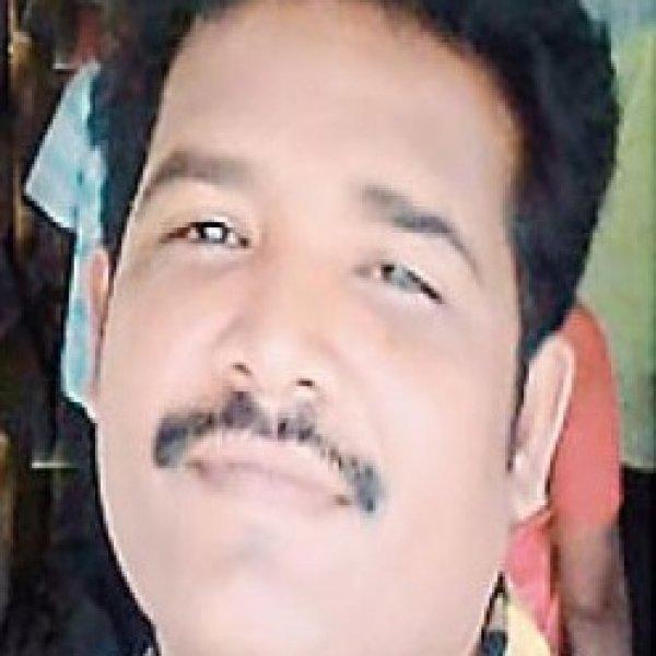 கம்பி எண்ண வைத்த காதல் ரோஜா; வசமாகச் சிக்கிய ஆசிரியர்