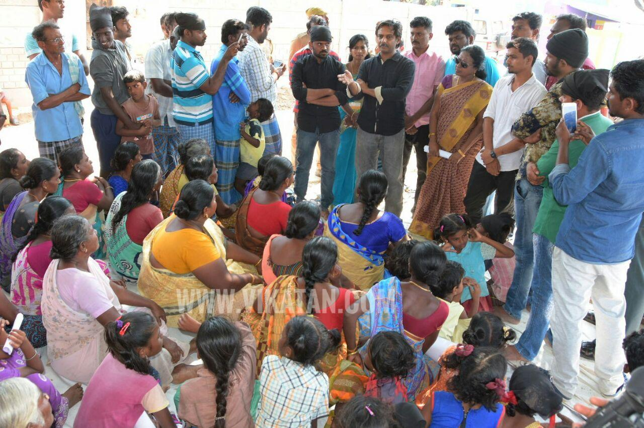 thirumurugan gandhi meets people