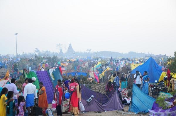 கிளம்பும் மக்கள்