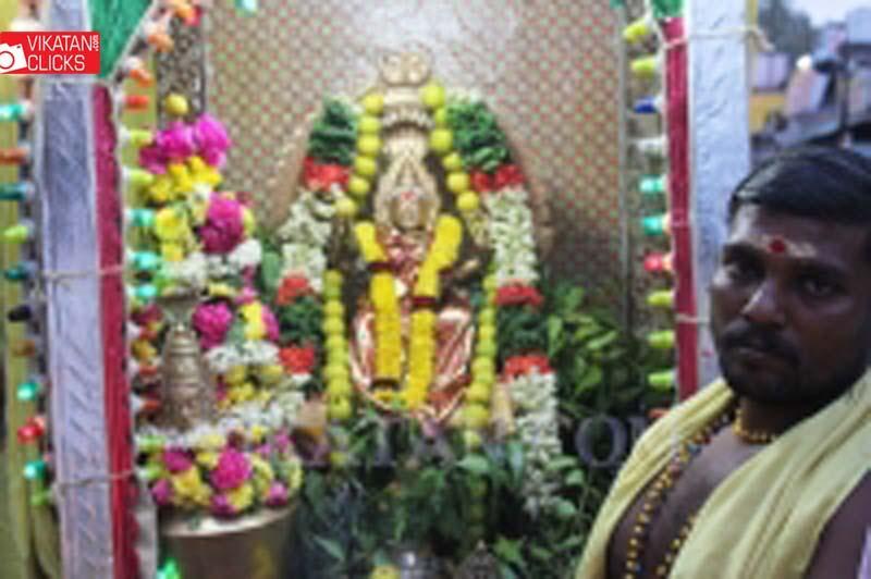 சமயபுரம் பூச்சொரிதல் விழா