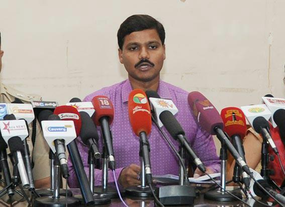 மதுரை மாவட்ட ஆட்சியர் வீரராகவ ராவ்