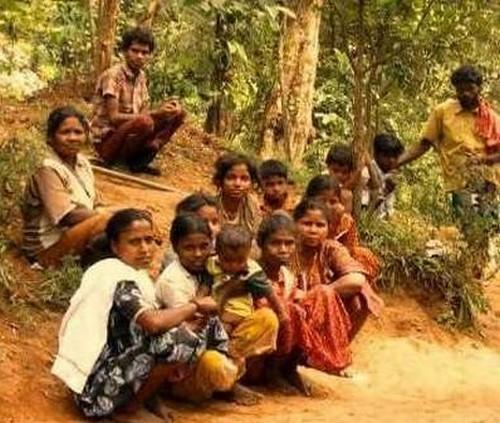 குரங்கணி  வனத்தீயில் சிக்கியவர்களை மீட்க உதவிய பழங்குடிகள்