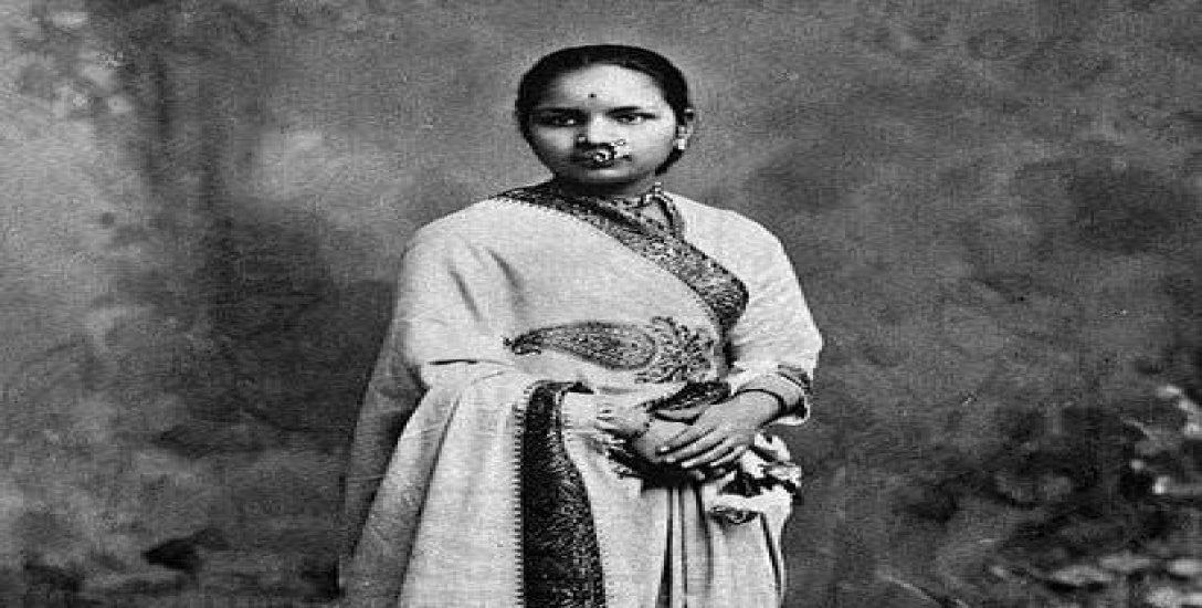 9 வயதில் திருமணம்... மகனின் மரணம்... தடை தாண்டி சாதித்த முதல் பெண் மருத்துவர் ஆனந்தி! #GoogleDoodle