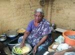 `2 ரூபாய் போண்டா..!' - 80 வயது சின்னபொண்ணு பாட்டியின் 55 ஆண்டு சேவை #WomensDay
