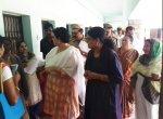 """``எனது பரிசு இது!"""" -  சசிகலா கிஃப்ட்டால் அசந்துபோன தேசிய மகளிர் ஆணையத் தலைவர்"""