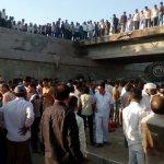 திருமண வீட்டுக்கு டிரக்கில் போன 25 பேர் பலி! - குஜராத்தை உலுக்கிய விபத்து