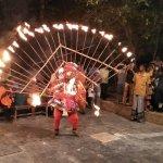''கலெக்டராவே ஆனாலும் கூத்துக்கட்டணும்..!'' சென்னையில் நடந்த அதகளத் தெருக்கூத்து