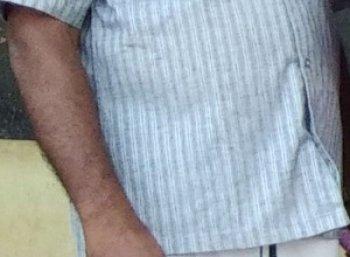 `மாட்டு ஊசியால் மாணவியைக் குத்திய தலைமையாசிரியர்' - திருச்சி அருகே பரபரப்பு!