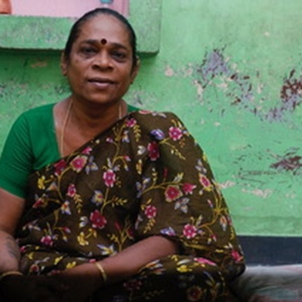 ஹெச்.ஐ.வி-யால் பாதிக்கப்பட்ட பல குழந்தைகளுக்குத் தாயாகவும் தந்தையாகவும் வாழும் திருநங்கை நூரி! #Transgender