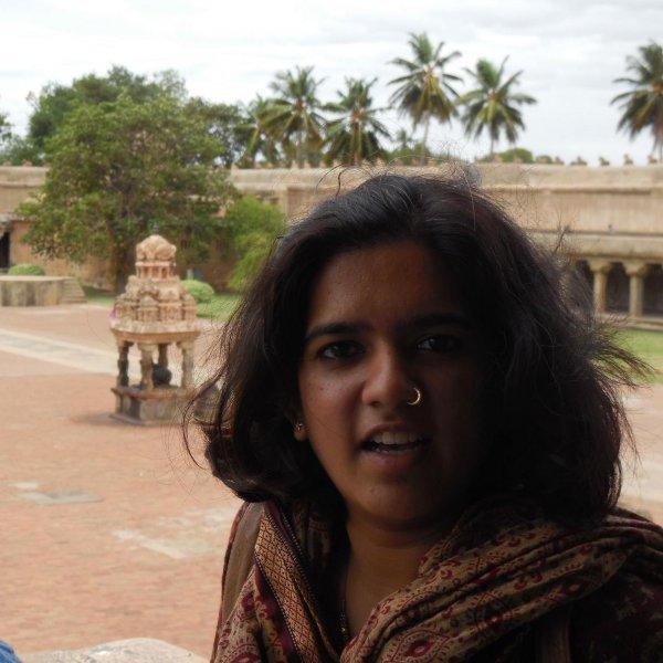 """``பயணங்களுக்கு பீரியட்ஸ் ஒரு தடையில்லை!"""" காவ்யா #PeriodsHygiene #WomenTravelers"""