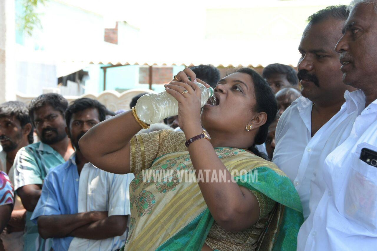 Geetha jeevan drinks water