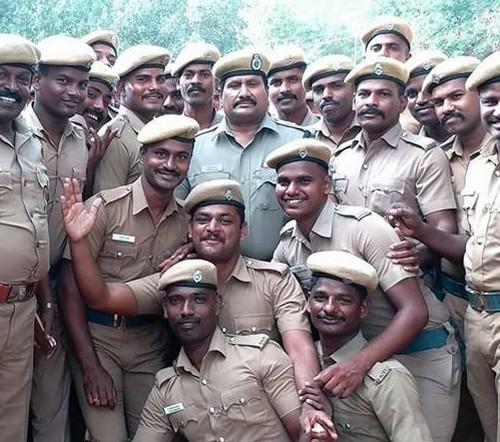 போலீஸ் அதிகாரி சம்ப்ரியா குமார்