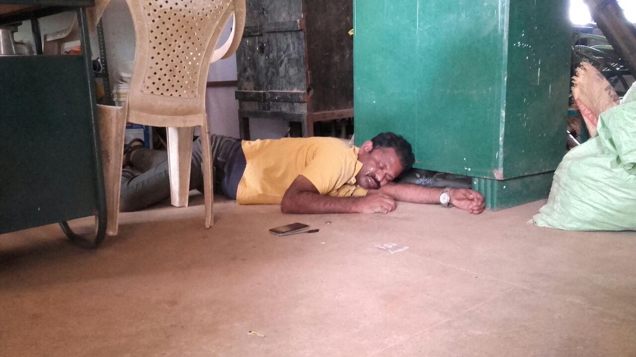 பூவந்தி பள்ளி ஆசிரியர் ரஜினிகாந்த்