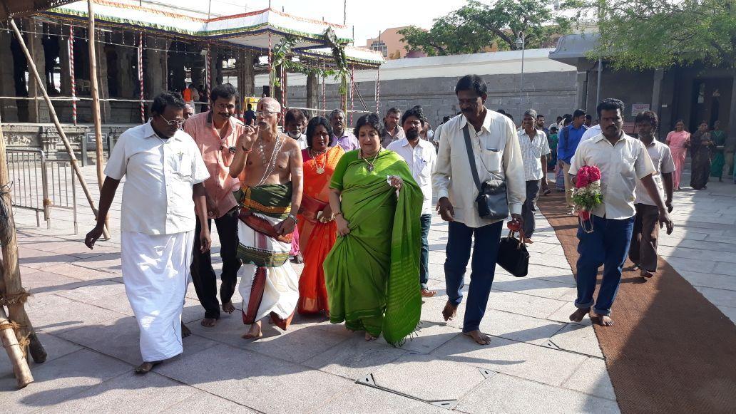 காமாட்சி அம்மன் கோயில், லதா ரஜினிகாந்த்