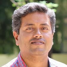 சித்த மருத்துவர் செந்தில் கருணாகரன்