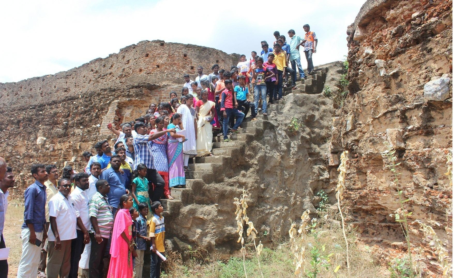 மரபு நடை மேற்கொள்ளப்பட்ட கமுதி கோட்டை