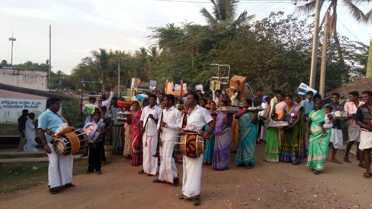 அசத்திய கிராமத்து பெண்கள்