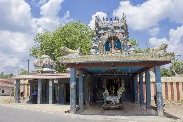 மணலூர் மாரியம்மன் கோயில்