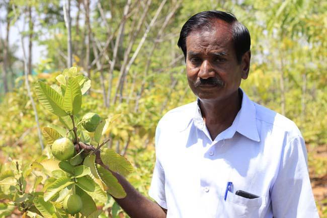 கரூர் விவசாயி மனோகரன்