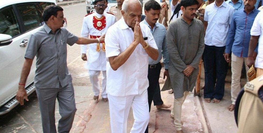 ஆளுநரைச் சந்திக்கிறார் கிரிஜா வைத்தியநாதன்...!