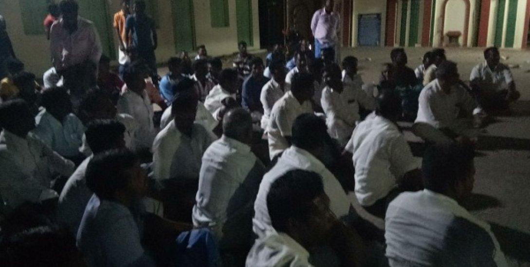 `அ.தி.மு.க-வினரின் மனுக்கள் மட்டுமே ஏற்கப்படுகிறது' - கொந்தளிக்கும் உறுப்பினர்கள்!