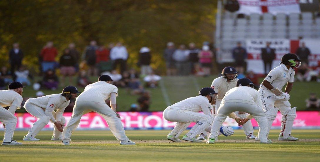 '103 பந்துகளில் 7 ரன்கள்... பட்டையைக் கிளப்பிட்டான்ல..!' இதான் டெஸ்ட் மேட்ச் #NZvENG