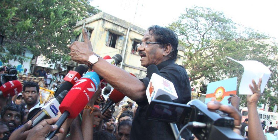 பாரதிராஜா உட்பட 500-க்கும் மேற்பட்டோர்மீது வழக்கு பதிவு!