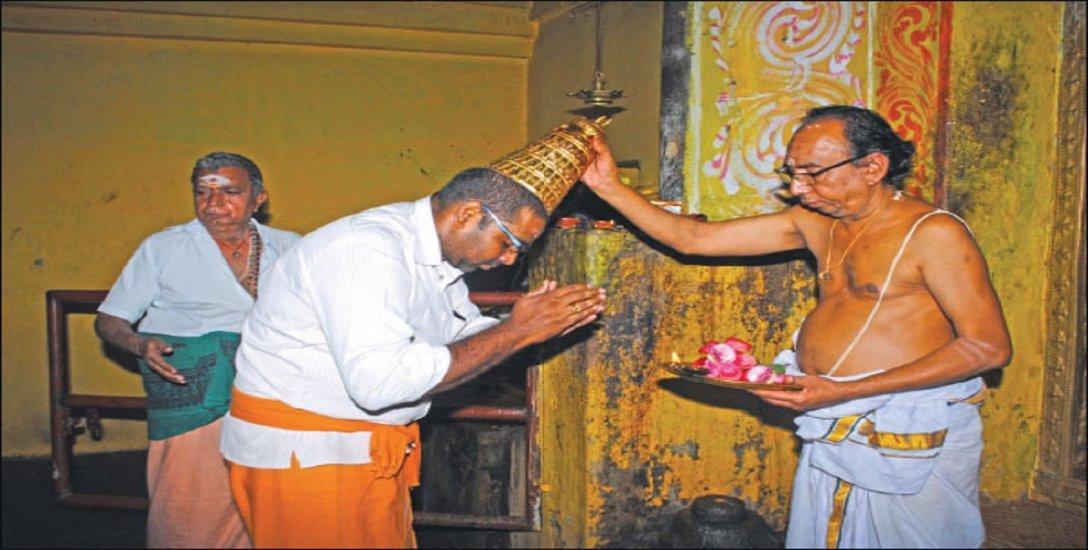 சிவன் கோயிலில் சடாரி வைக்கும் அதிசயம்! - இது திருநல்லூர் ஸ்பெஷல்!