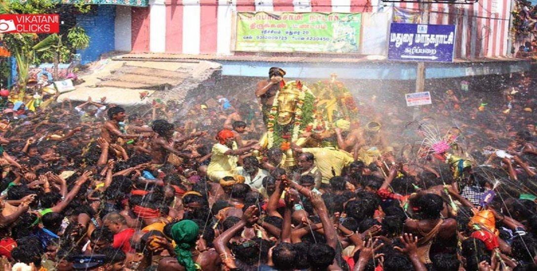 திருமஞ்சனம், எதிர்சேவை, தசாவதாரக் கோலம்… அழகரின் அழகு திருக்கோலக் காட்சிகள்! #VikatanPhotoStory