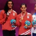 காமன்வெல்த் 2018! - ஒரே போட்டியில் இந்தியாவுக்கு இரண்டு பதக்கம் #SainaVsSindhu  #CWG2018