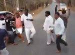 நடுரோட்டில் ஆலுமா.. டோலுமா பாட்டுக்கு ஆட்டம் போட்ட மாநகராட்சி அதிகாரிகள்...!