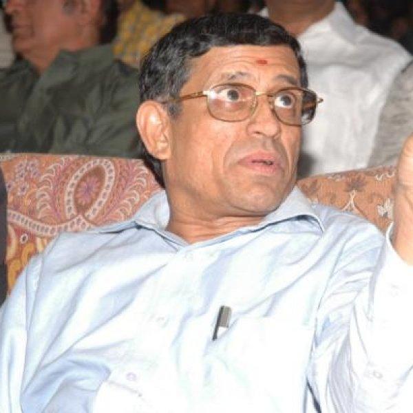 ரஜினிகாந்த்துடன் ஆடிட்டர் குருமூர்த்தி திடீர் சந்திப்பு..!