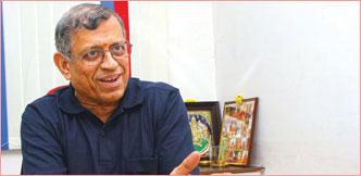 ஆடிட்டர் குருமூர்த்தி