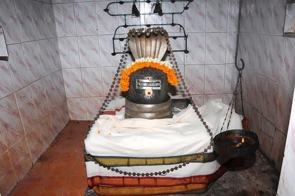 கௌதமேஸ்வரர்