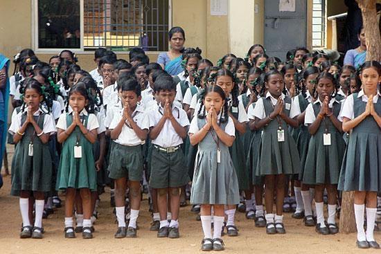மாணவர்கள் பள்ளிக் கல்வி