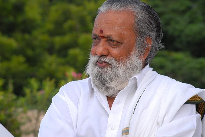 எழுத்தாளர் பாலகுமாரன்
