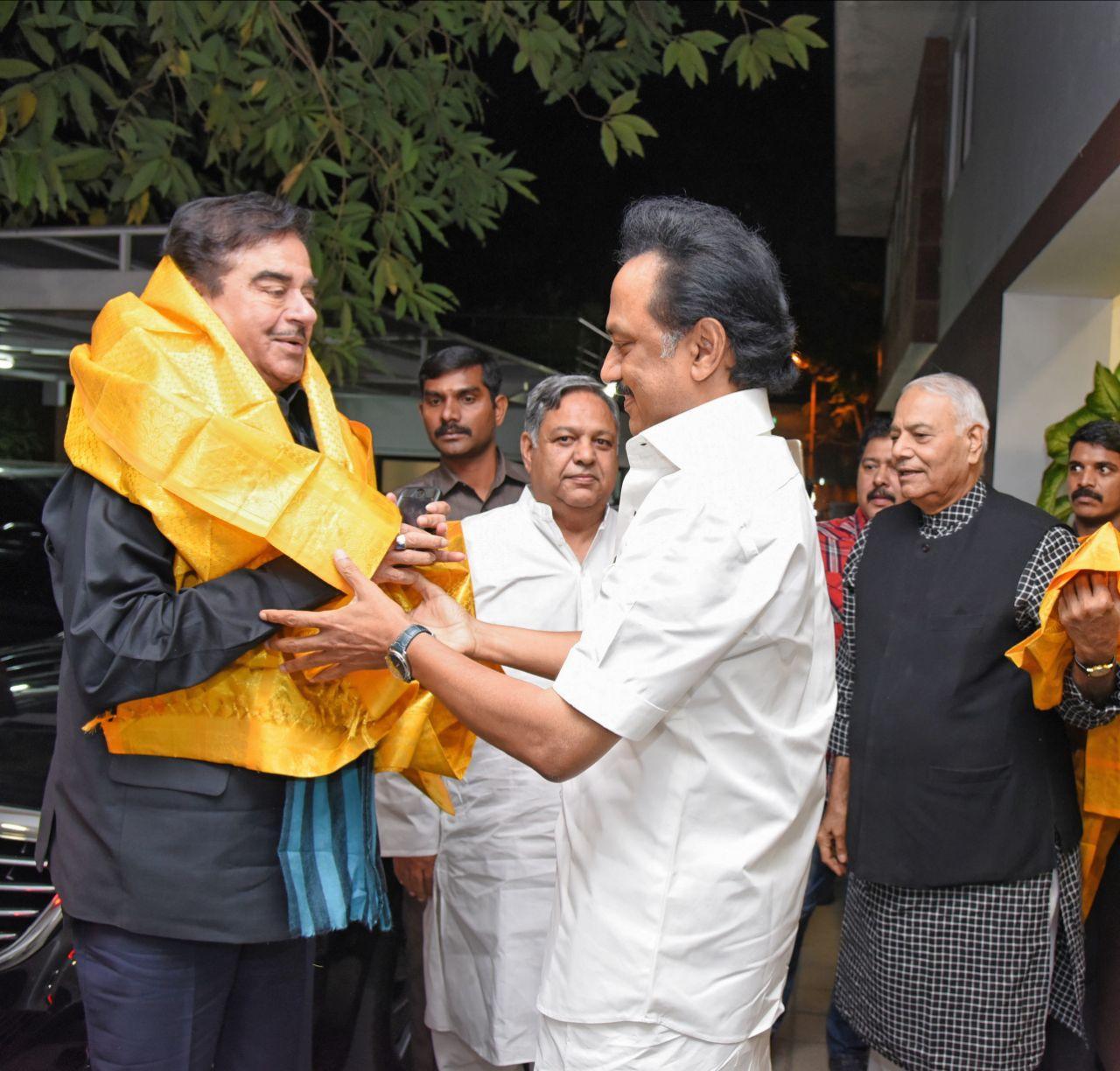 இந்தி நடிகர் சத்ருகன் சின்ஹா