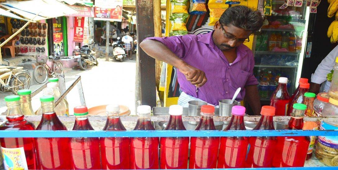 மிரட்டும் வெயிலில் படுத்தும் டீஹைட்ரேஷன்... தவிர்க்க சில வழிமுறைகள்! #Dehydration