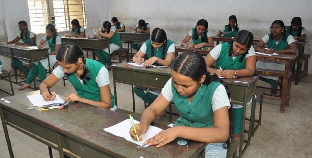 அரசுப் பள்ளிகளில் `ஆல் பாஸ்' எண்ணிக்கை குறைந்தது ஏன்..? பள்ளிக்கல்வித்துறை ஆய்வு