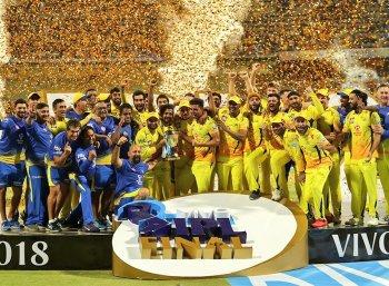 கம் பேக்னா இப்படி இருக்கணும்... ஐபிஎல் சீசனை அழகாக்கிய CSK! #IPL2018