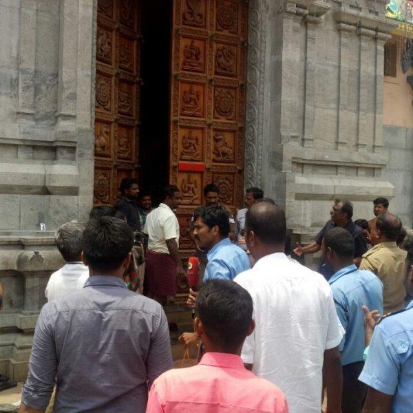சமயபுரம் கோயில் யானையால் பாகனுக்கு நடந்த கொடூரம்! 8 பக்தர்களுக்கு  நடந்த சோகம்