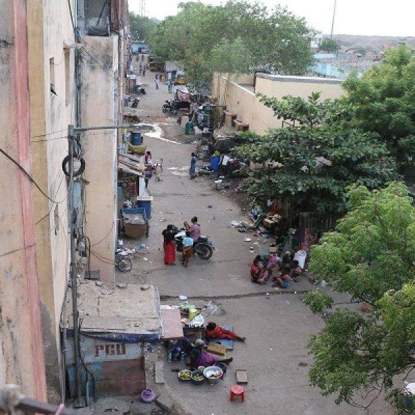 சென்னை கொடுங்கையூர், பெருங்குடி... குப்பை மலைகளுக்கு அருகில் ஒரு சாபக்கேடான வாழ்க்கை!