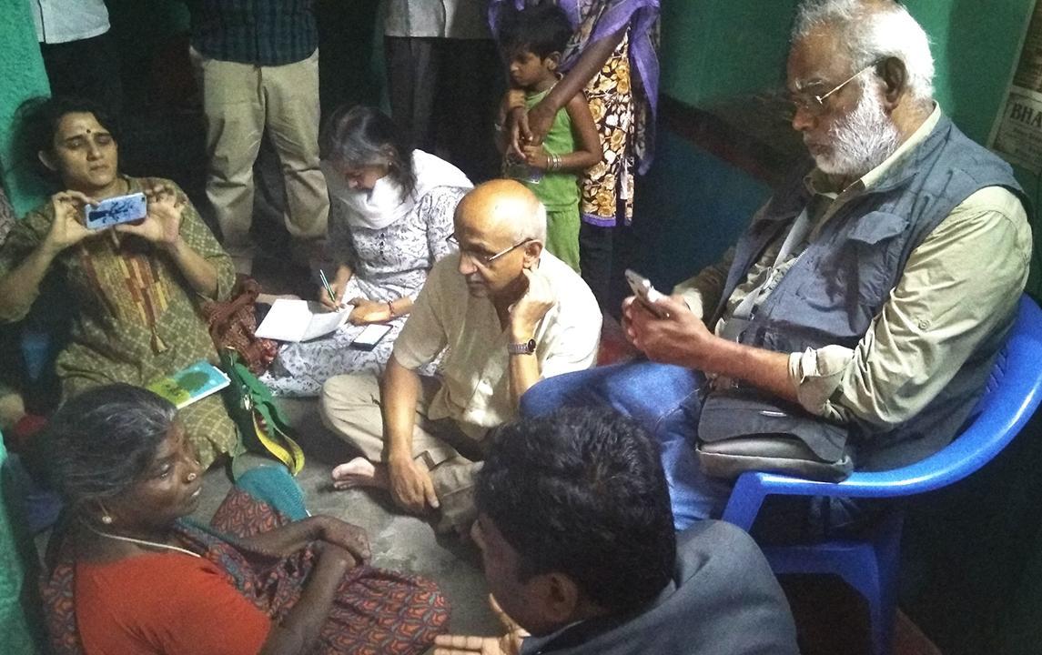கச்சநத்தம் சிராமத்தில் அன்பின் பயண்ம் குழுவினர்