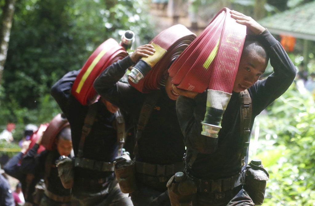 காணாமல் போன கால்பந்து வீரர்களை மீட்கும் பணி