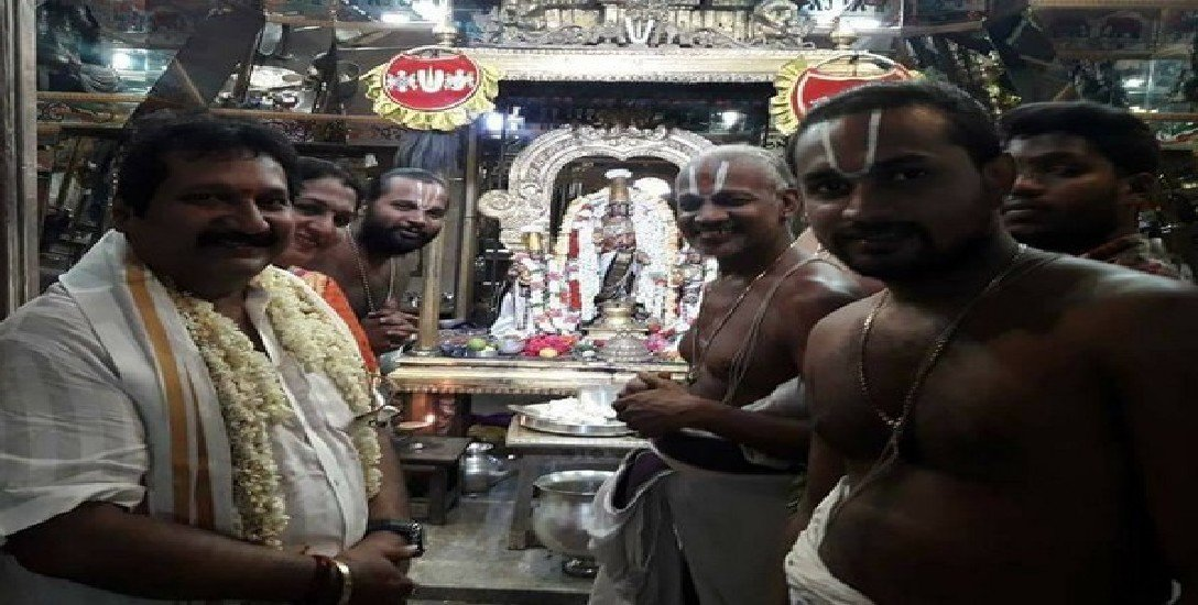 ரமலான் மாதத்தில் மதங்களைக் கடந்த பாடகர் மனோ!