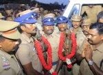 `60 ஆண்டுகளுக்குப் பிறகு சொந்த மண்ணுக்கு வந்த ராஜராஜ சோழன் சிலை!' - உற்சாக வரவேற்புக் கொடுத்த மக்கள்