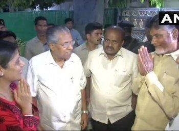 அரவிந்த் கெஜ்ரிவாலுக்கு நான்கு மாநில முதல்வர்கள் நேரில் சென்று ஆதரவு..! பா.ஜ.கவுக்கு எதிர்ப்பு