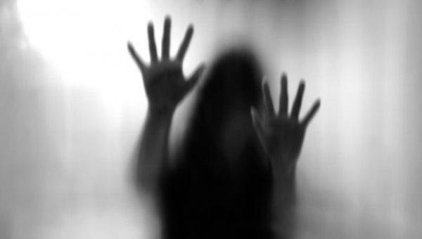 'என்.ஜி.ஓ பெண்களைக் கடத்திய மர்ம கும்பல்!'- துப்பாக்கிமுனையில் நடந்த கொடுமை